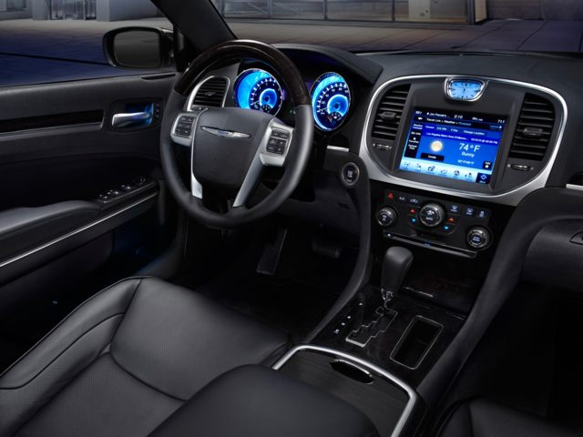 Interior Chrysler 300 Sedan front